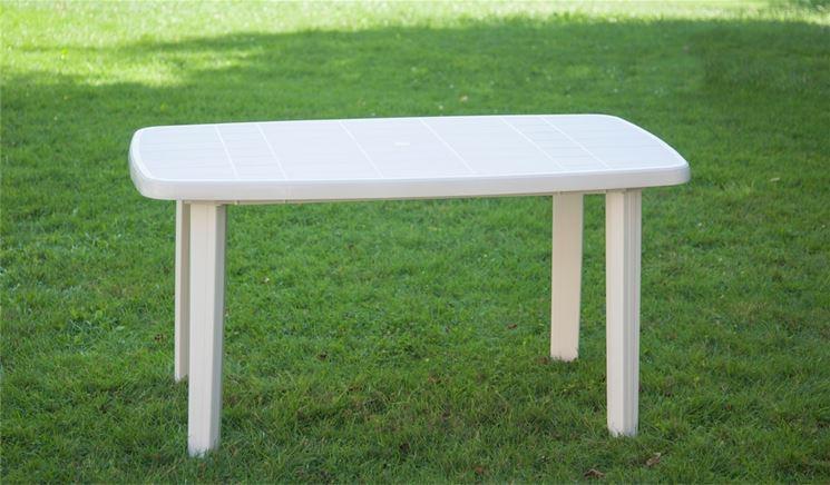 tavoli-in-plastica-da-giardino_NG3